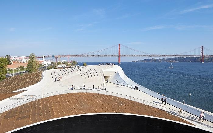 L 39 arca international for Architecture lisbonne